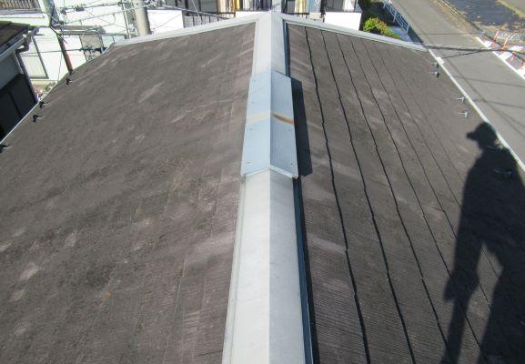 屋根をガルバリウム鋼板にカバー工法を選択!外観はイメージチェンジ!